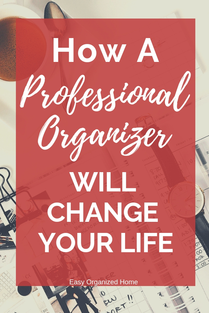 From feeling less stressed, to saving money and time. There are so many benefits to getting organized. Click to find out more. #organization #professionalorganizer #organized #lifeorganization #homeorganization #getorganized #lifehack