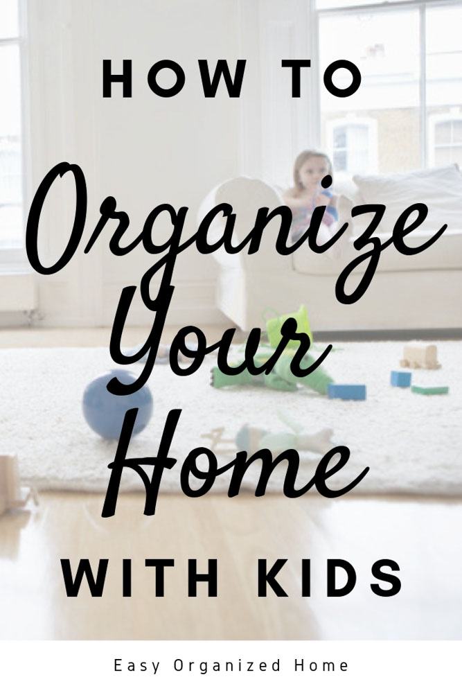 We share easy organization hacks and tips to get toys and your families belongings organized. #organization #organizationhacks #organizedhome #organizewithkids #howtgetorganized