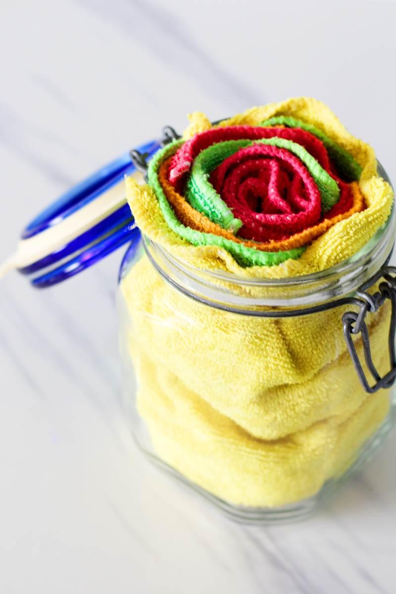 homemade sanitizing wipes